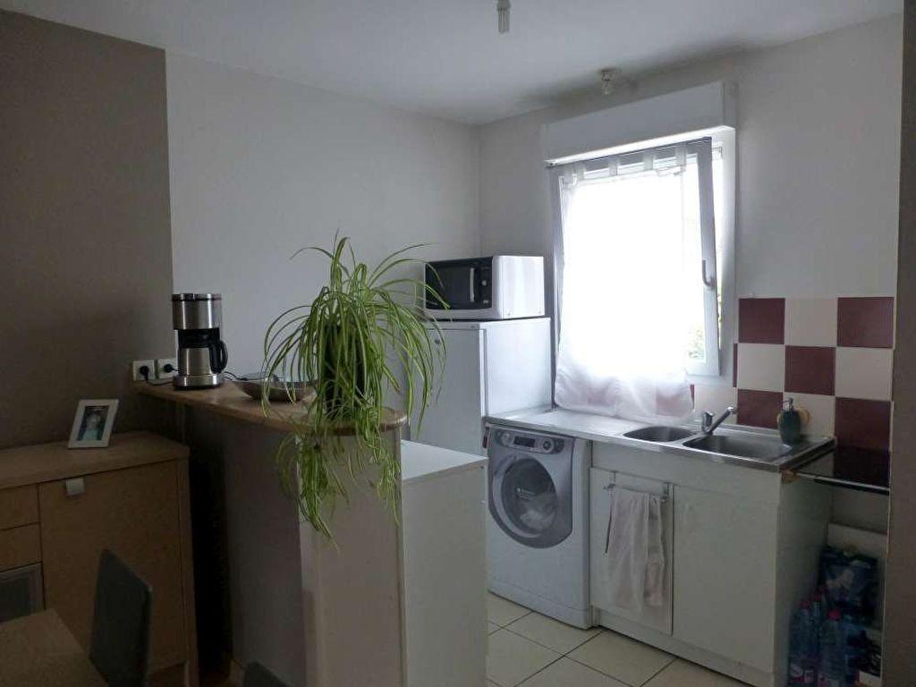 Appartement à louer 3 53.3m2 à Saint-Denis-en-Val vignette-5