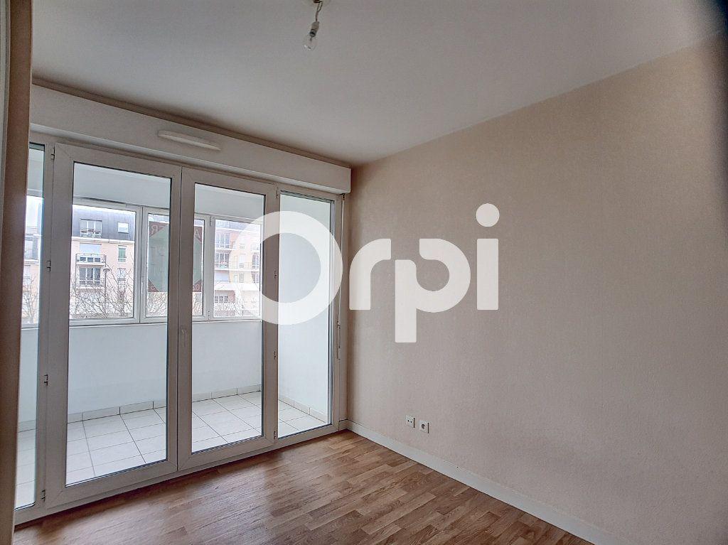 Appartement à louer 2 41.31m2 à Orléans vignette-3