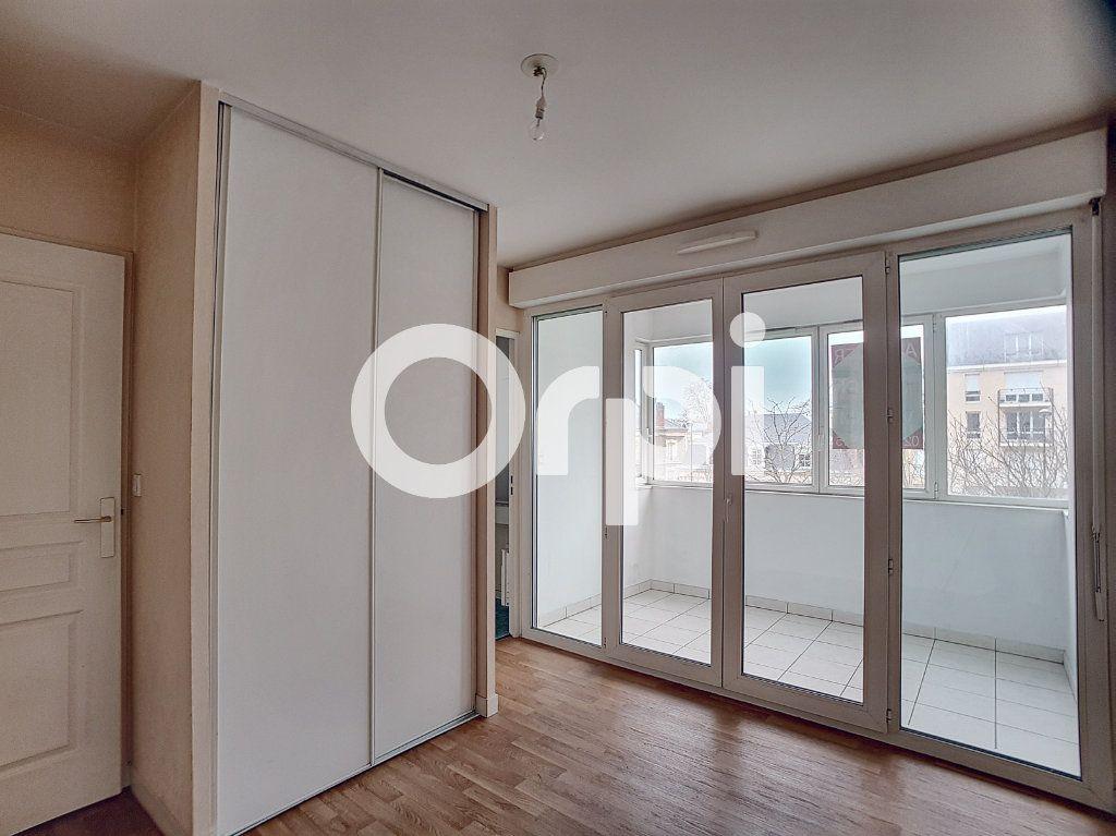 Appartement à louer 2 41.31m2 à Orléans vignette-4
