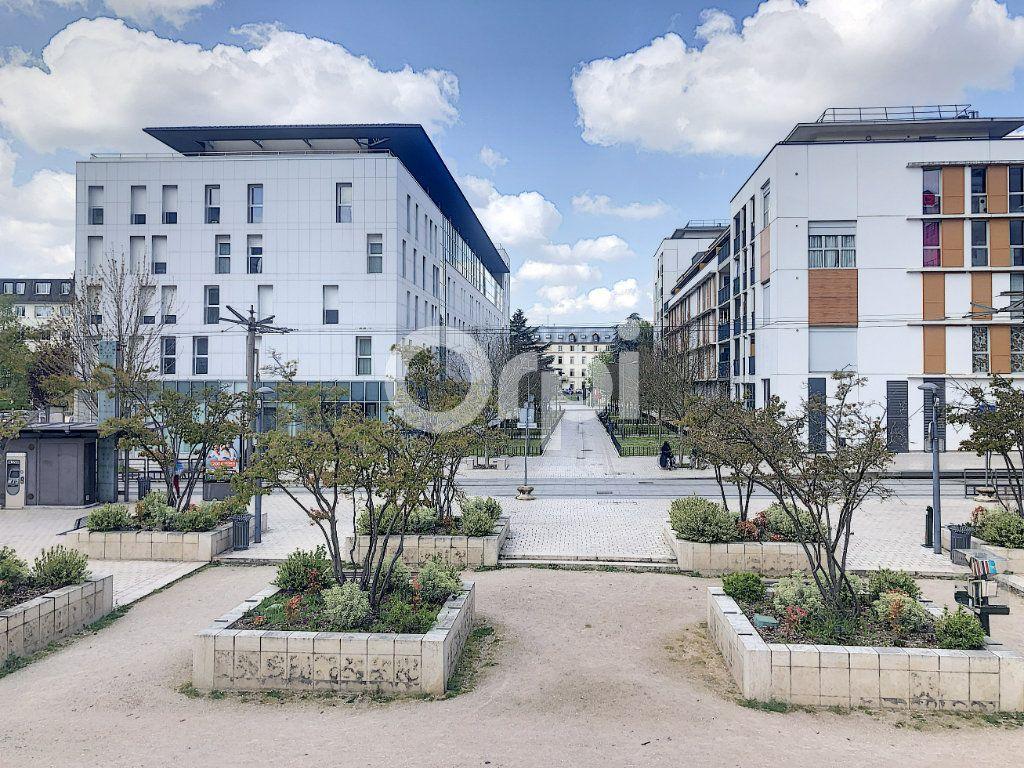 Appartement à louer 1 20.07m2 à Orléans vignette-1