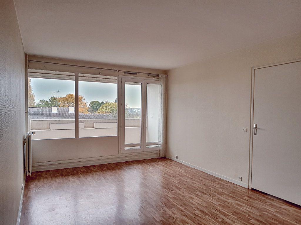 Appartement à louer 2 51.4m2 à Olivet vignette-1