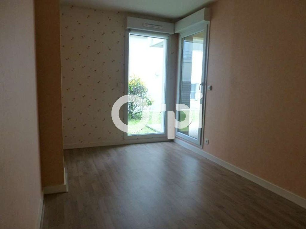 Appartement à louer 3 64.02m2 à Orléans vignette-3