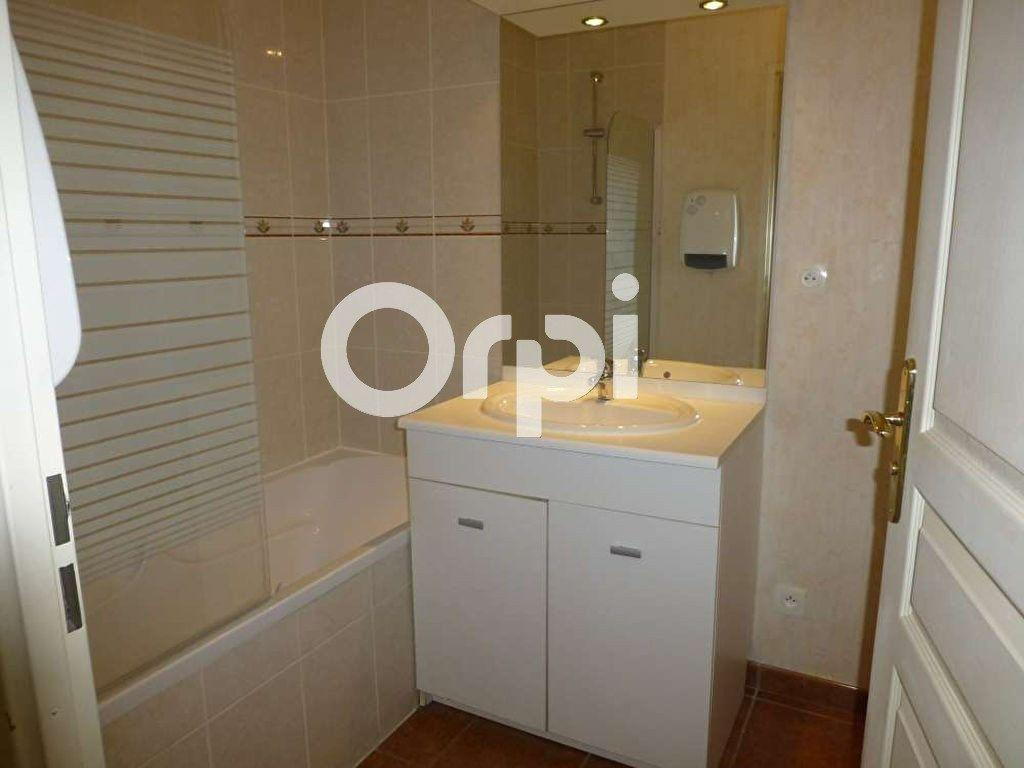 Appartement à louer 3 64.02m2 à Orléans vignette-5