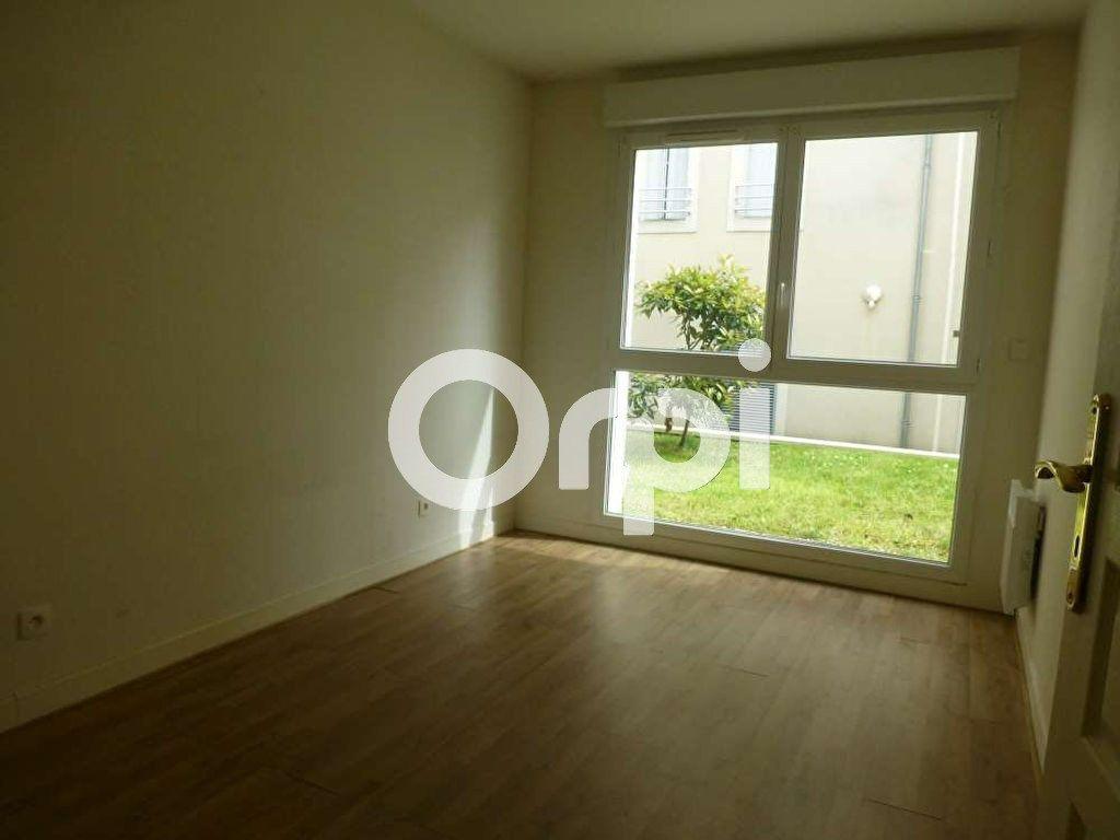 Appartement à louer 3 64.02m2 à Orléans vignette-10