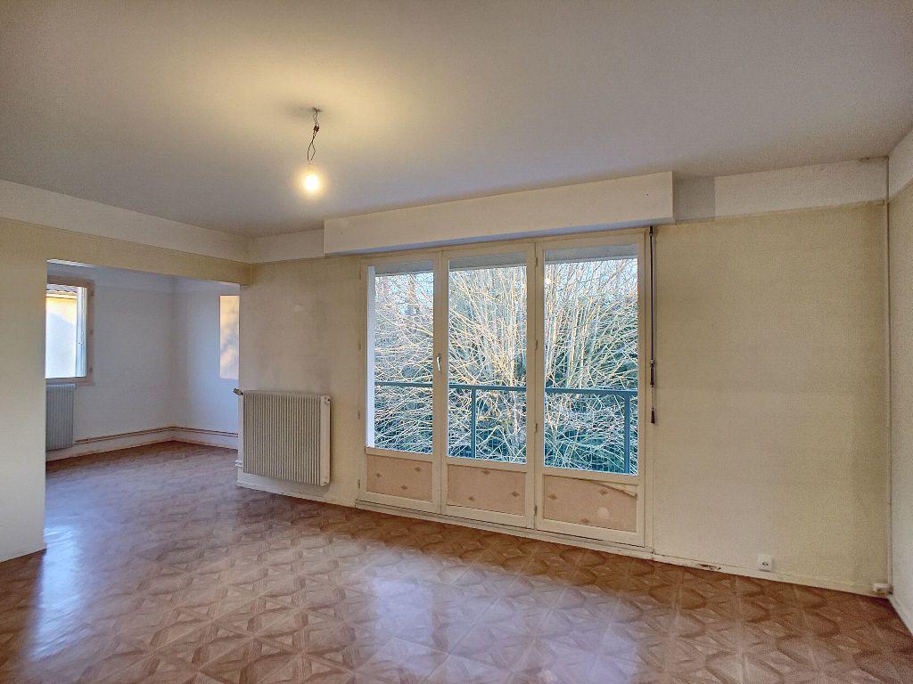 Appartement à louer 5 85.9m2 à La Chapelle-Saint-Mesmin vignette-1