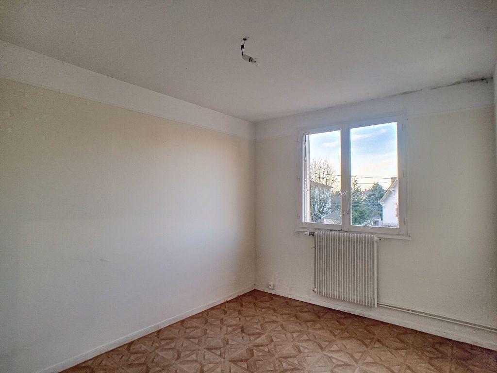 Appartement à louer 5 85.9m2 à La Chapelle-Saint-Mesmin vignette-6
