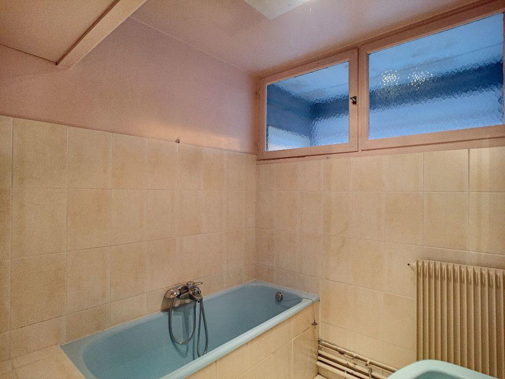 Appartement à louer 5 85.9m2 à La Chapelle-Saint-Mesmin vignette-7