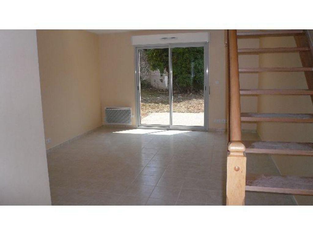 Appartement à louer 3 63.1m2 à Bourges vignette-2