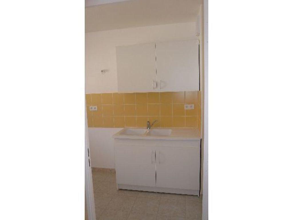 Appartement à louer 3 63.1m2 à Bourges vignette-3