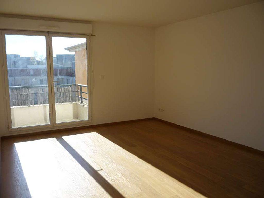 Appartement à louer 3 71.5m2 à Orléans vignette-1
