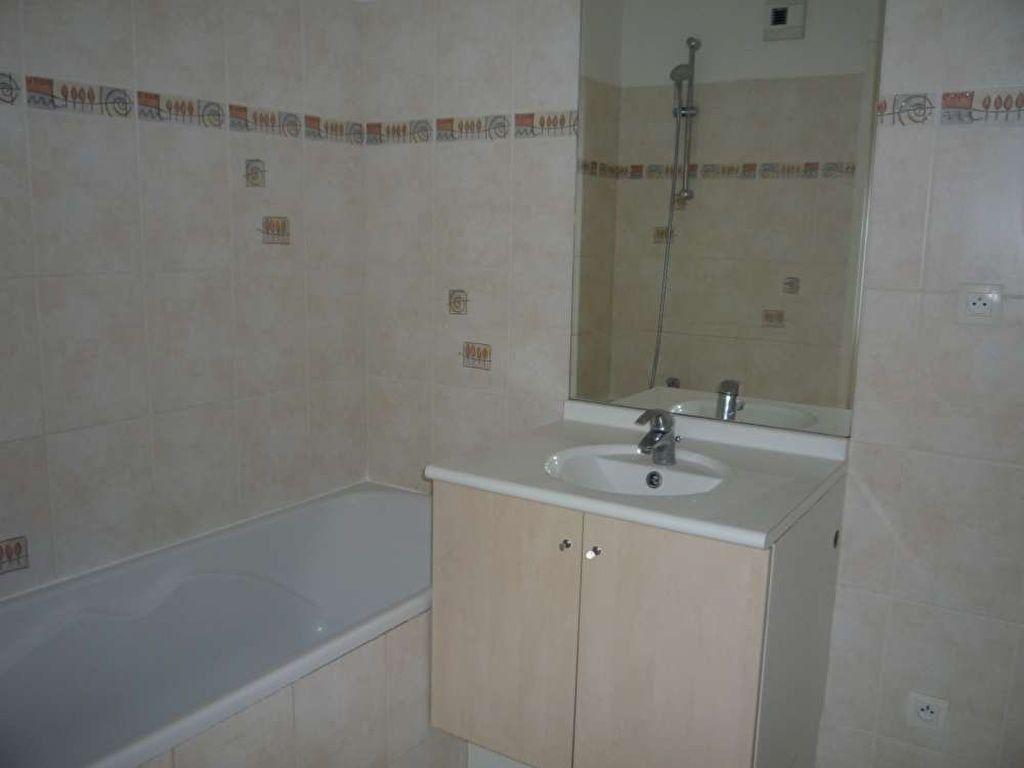 Appartement à louer 3 71.5m2 à Orléans vignette-9
