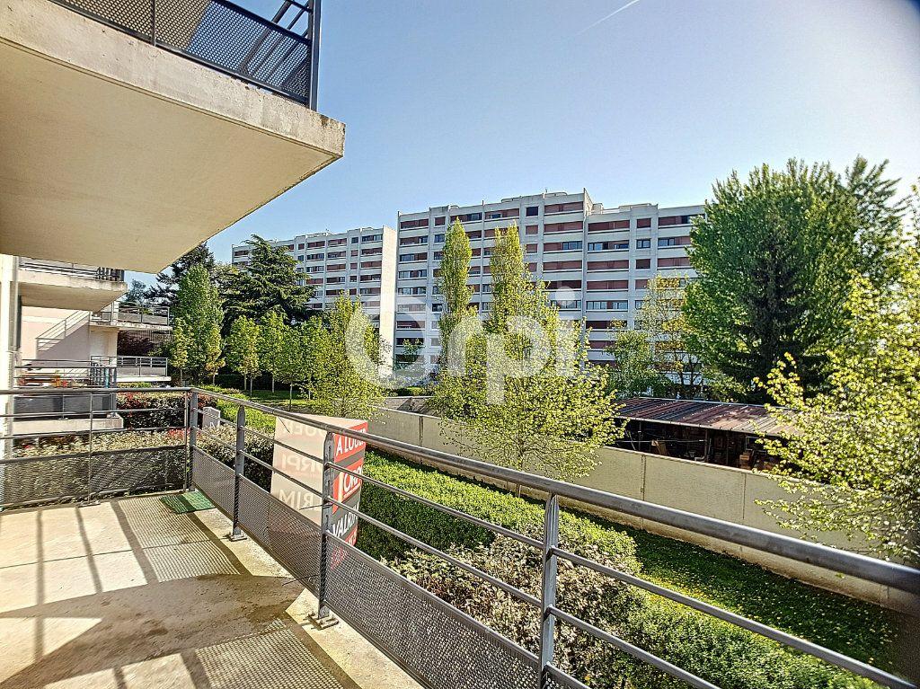 Appartement à louer 3 65.05m2 à Orléans vignette-10