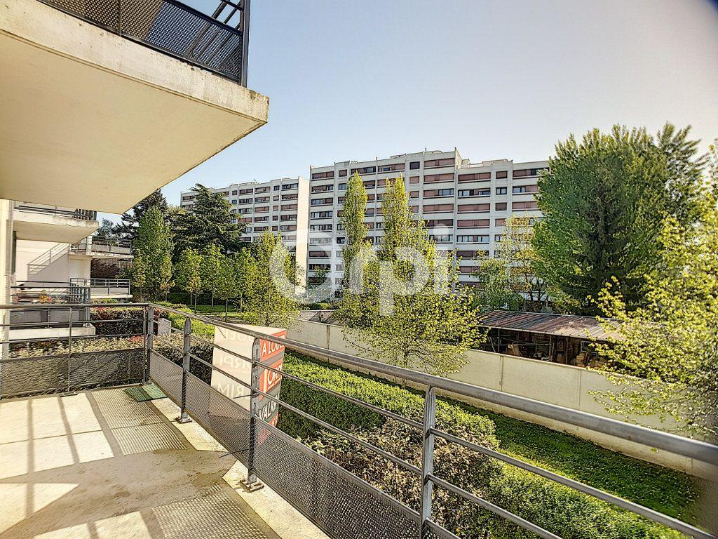 Appartement à louer 3 65.05m2 à Orléans vignette-11