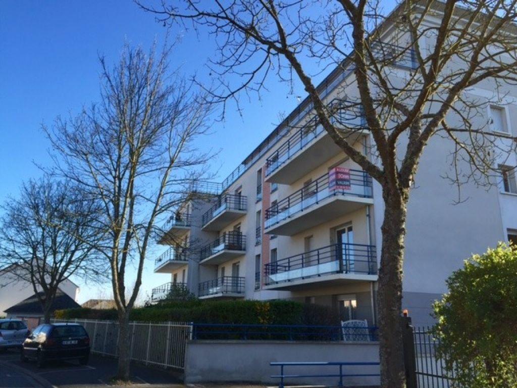Appartement à louer 2 51.5m2 à Saint-Jean-de-Braye vignette-1