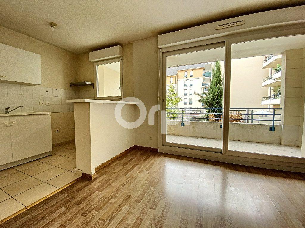 Appartement à louer 3 63.65m2 à Orléans vignette-2