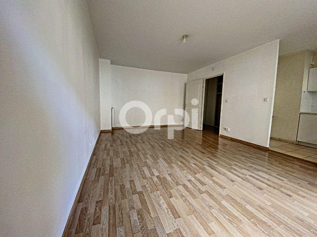 Appartement à louer 3 63.65m2 à Orléans vignette-7
