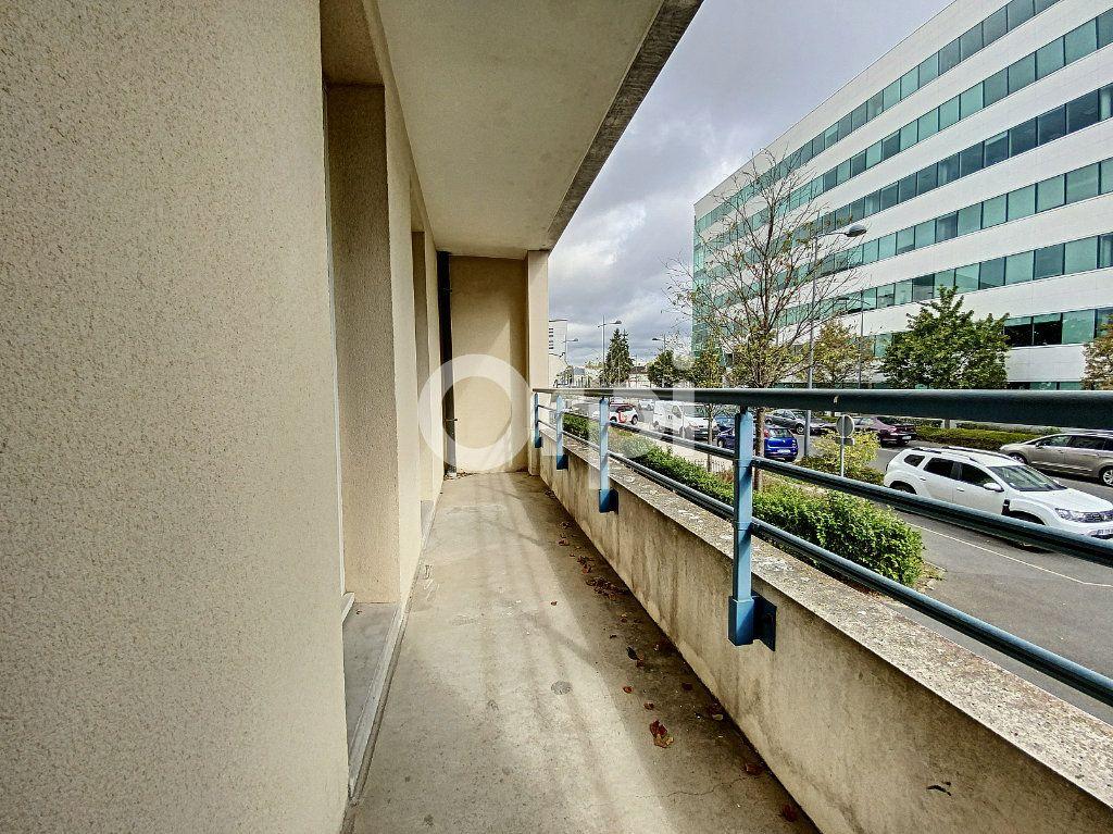 Appartement à louer 3 63.65m2 à Orléans vignette-9