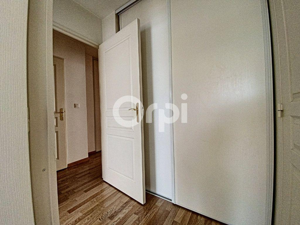 Appartement à louer 3 63.65m2 à Orléans vignette-12