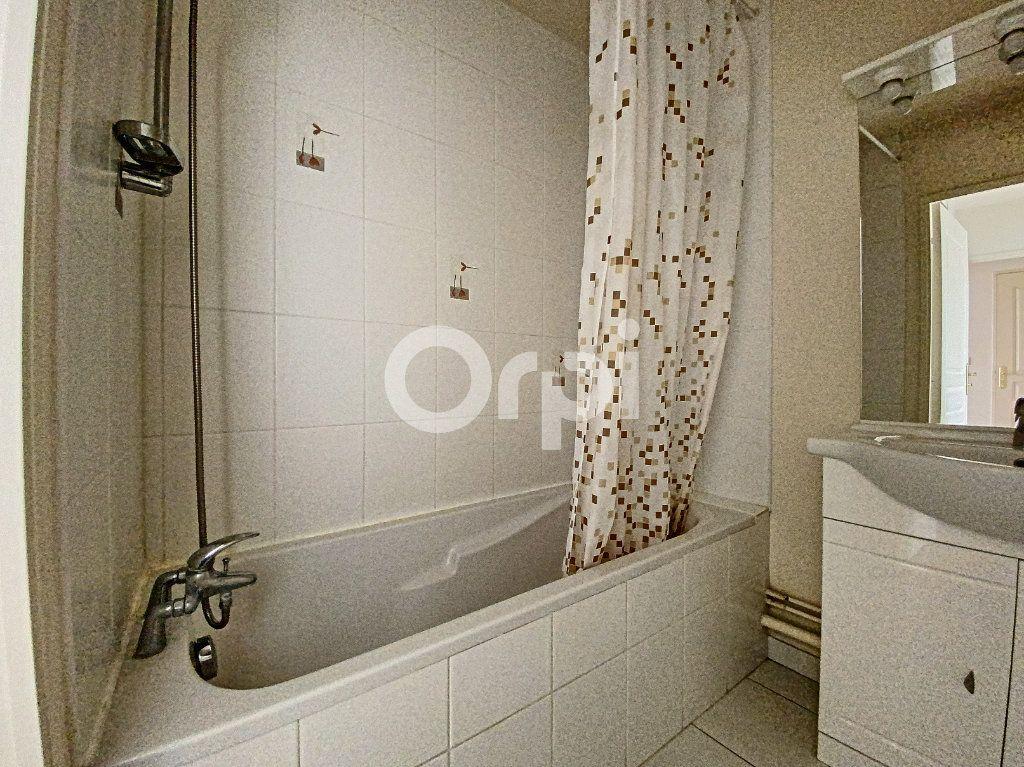 Appartement à louer 3 63.65m2 à Orléans vignette-14