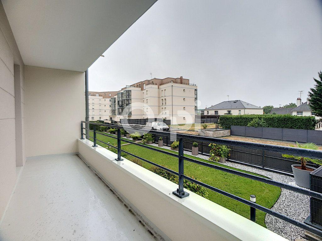 Appartement à louer 3 73.75m2 à La Chapelle-Saint-Mesmin vignette-5