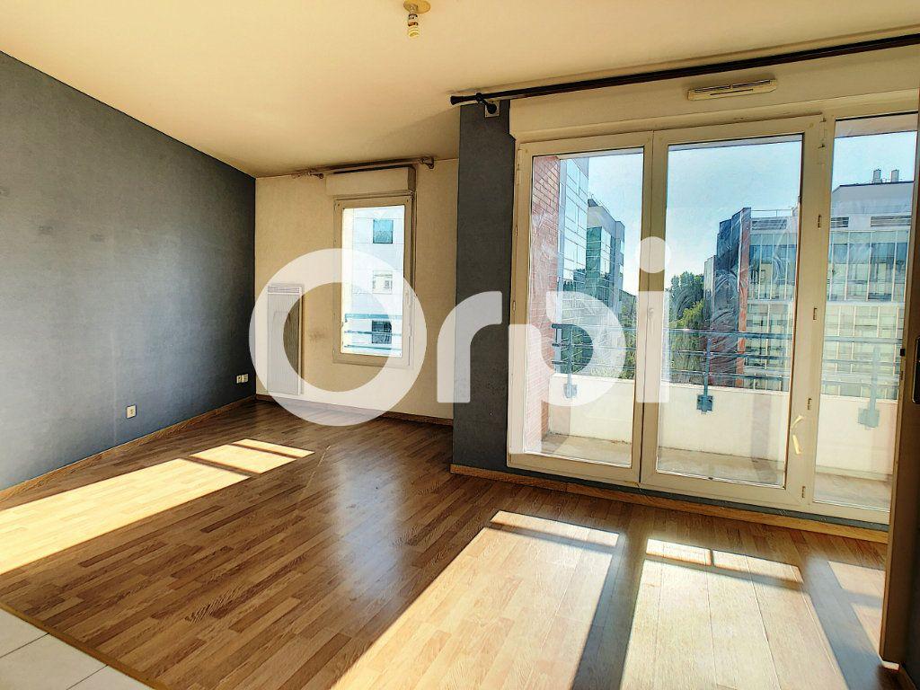 Appartement à louer 2 42m2 à Orléans vignette-1