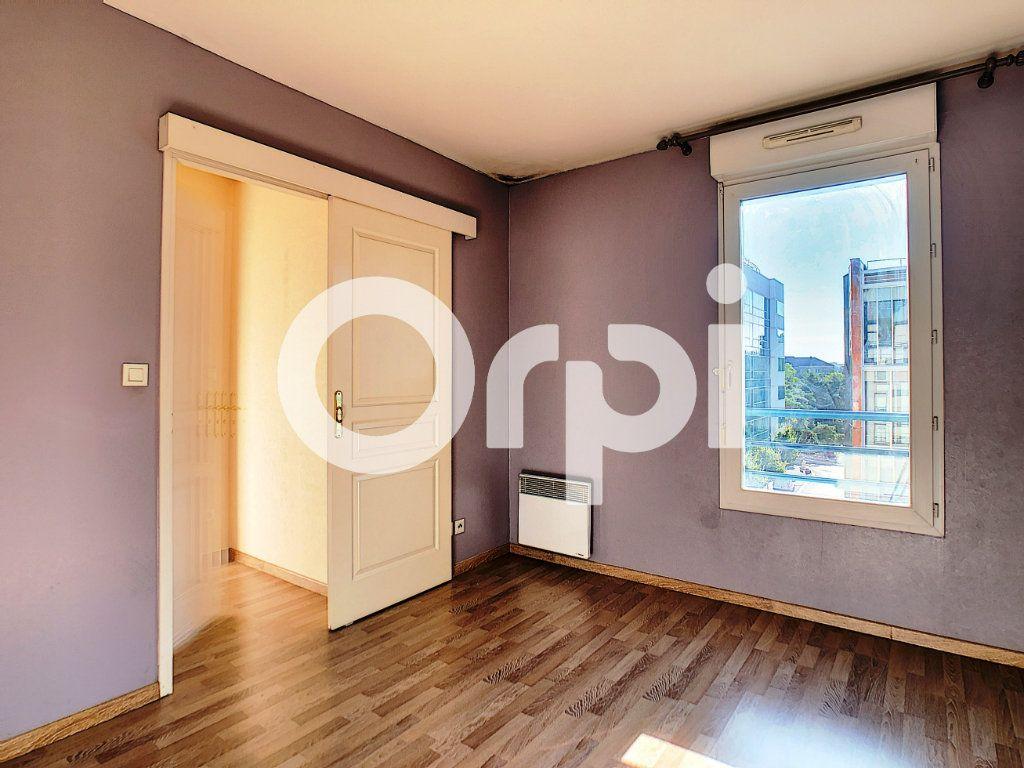 Appartement à louer 2 42m2 à Orléans vignette-4