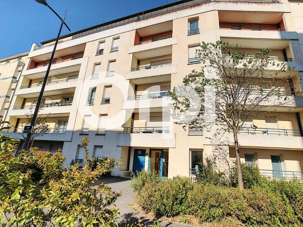 Appartement à louer 2 42m2 à Orléans vignette-7