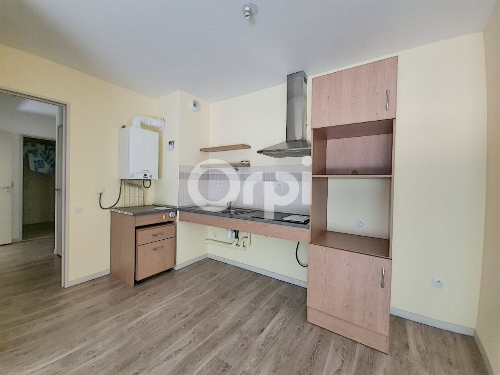 Appartement à louer 3 65.88m2 à Saint-Cyr-en-Val vignette-4