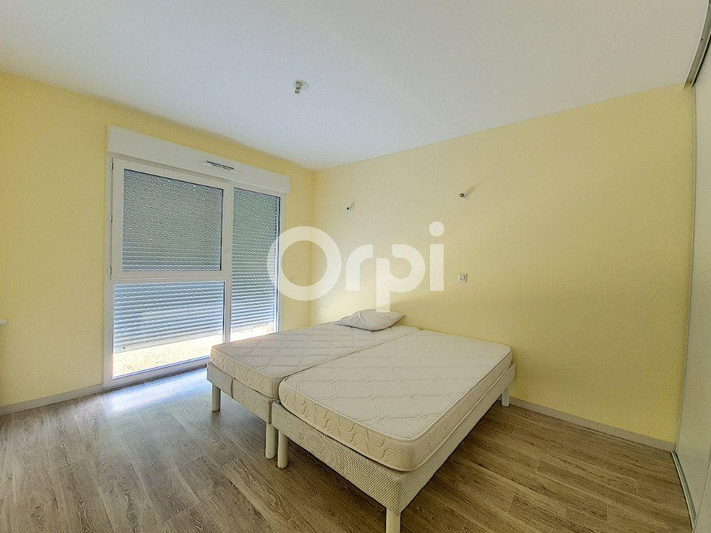 Appartement à louer 3 65.88m2 à Saint-Cyr-en-Val vignette-5