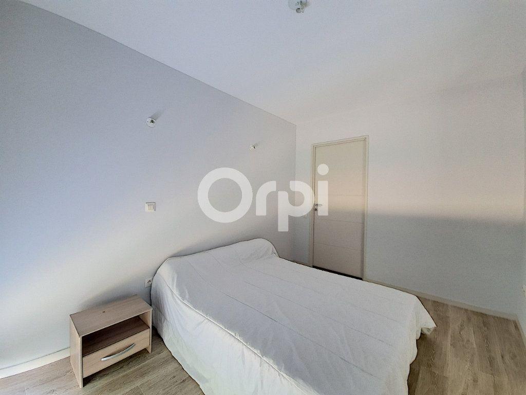 Appartement à louer 3 65.88m2 à Saint-Cyr-en-Val vignette-6