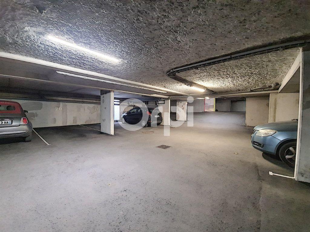 Stationnement à louer 0 12m2 à Orléans vignette-5