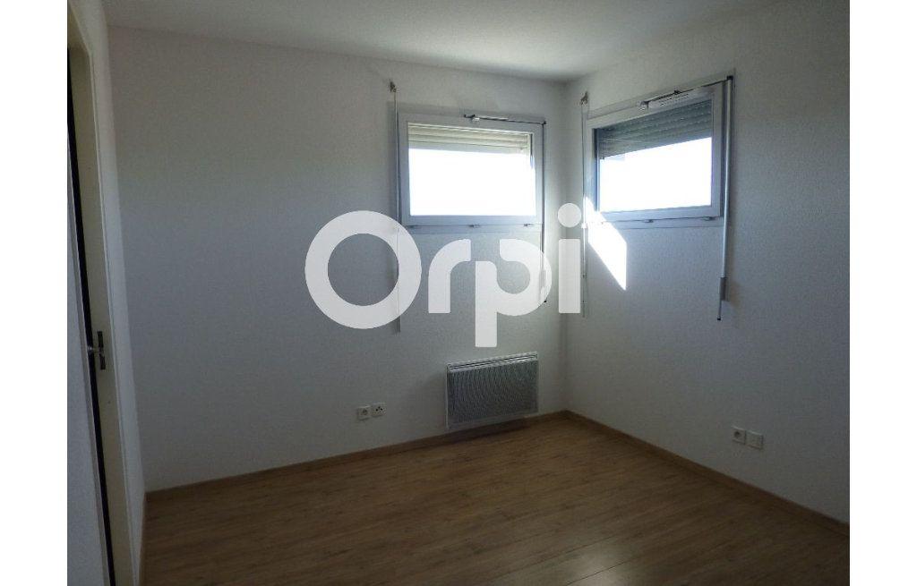 Appartement à louer 4 92.6m2 à Toulouse vignette-3