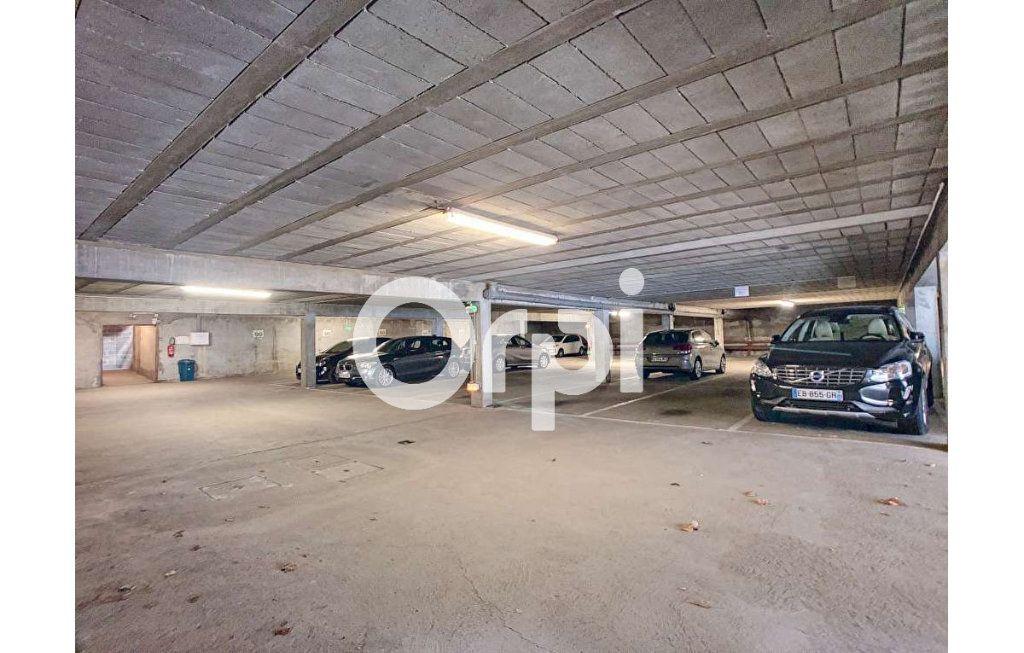 Stationnement à louer 0 12m2 à Orléans vignette-2