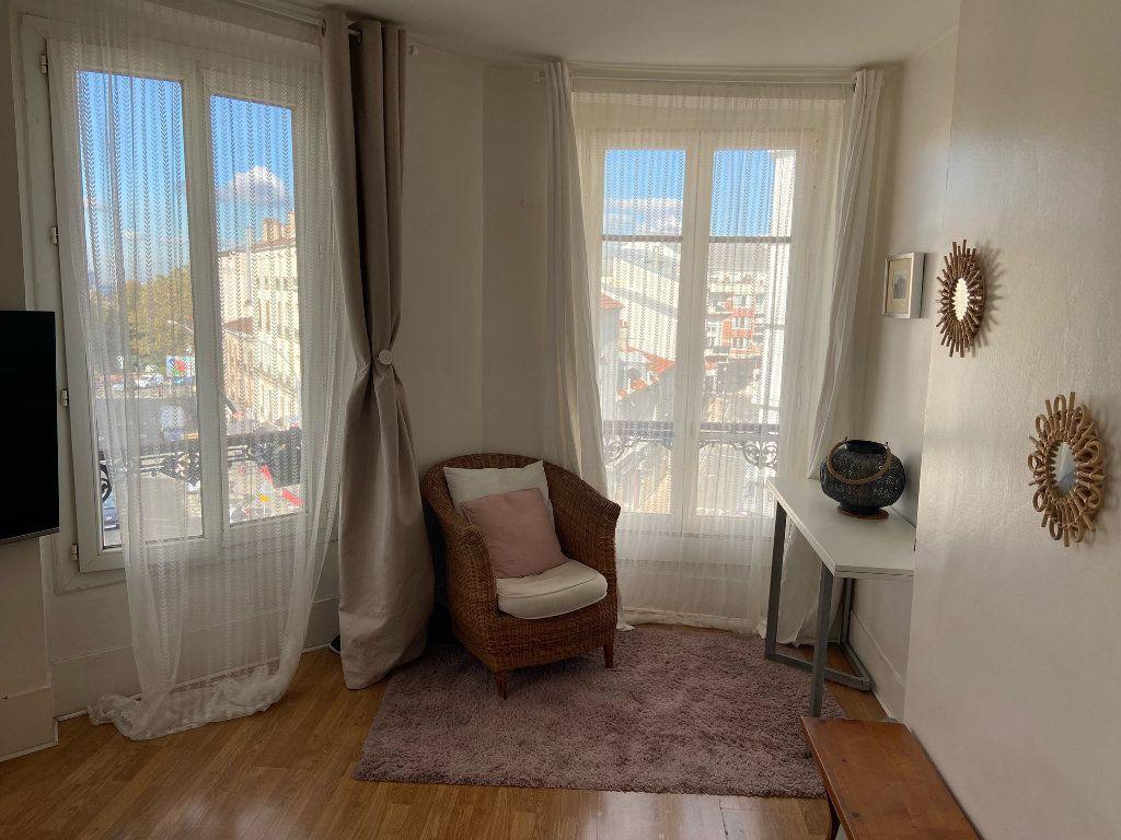 Appartement à louer 2 40.5m2 à Les Lilas vignette-2