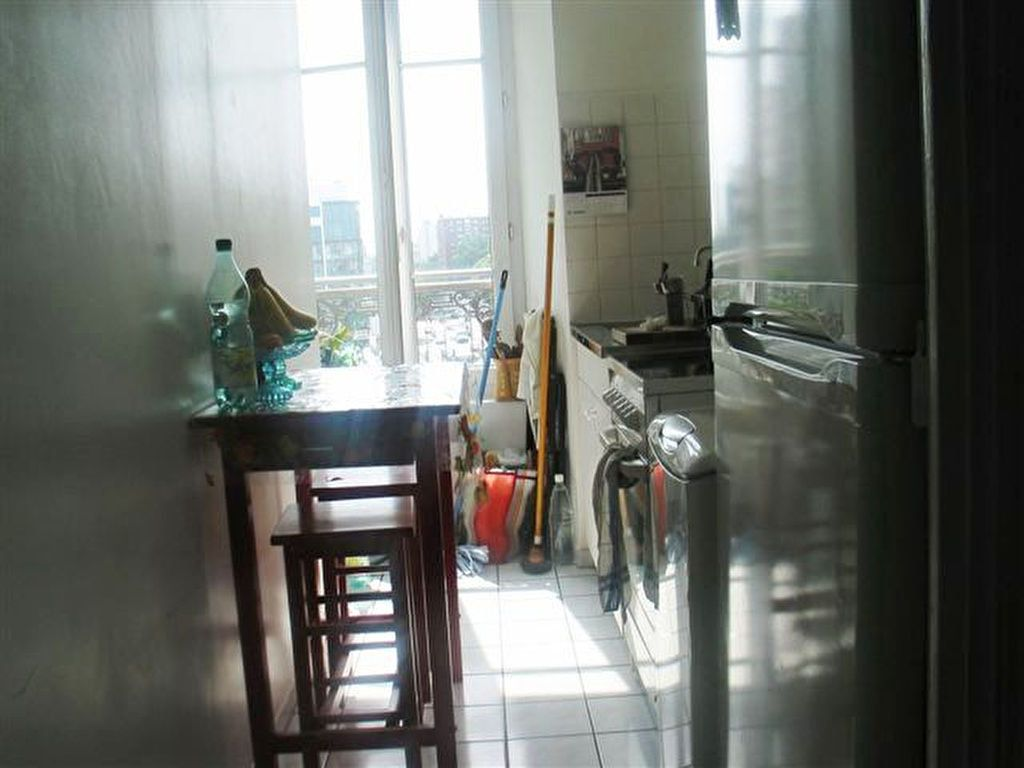 Appartement à louer 2 40.5m2 à Les Lilas vignette-4
