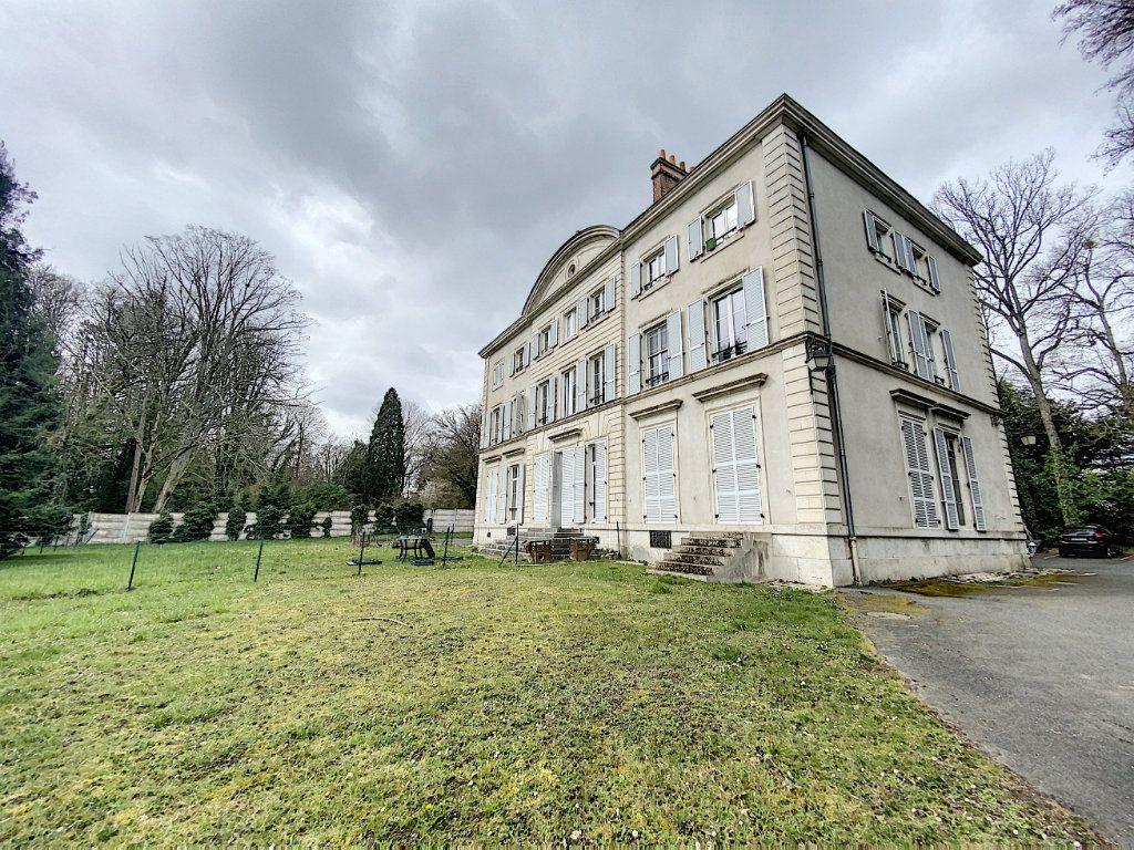 Appartement à vendre 2 40.9m2 à Saint-Jean-de-Braye vignette-2