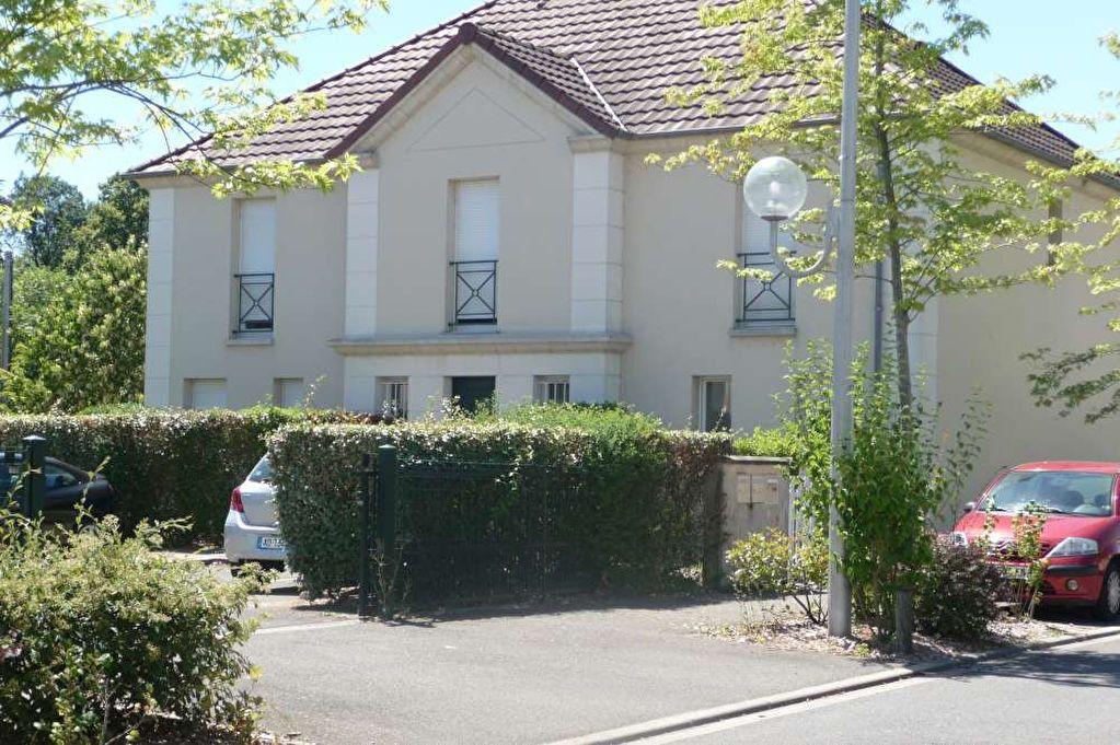 Appartement à louer 3 64.6m2 à Orléans vignette-1