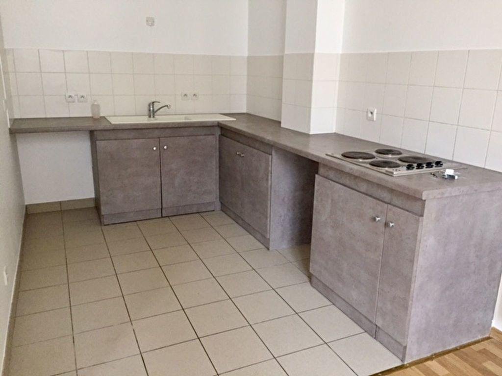 Appartement à louer 2 57.77m2 à Orléans vignette-2