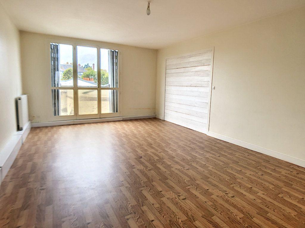Appartement à vendre 3 80.55m2 à Orléans vignette-2