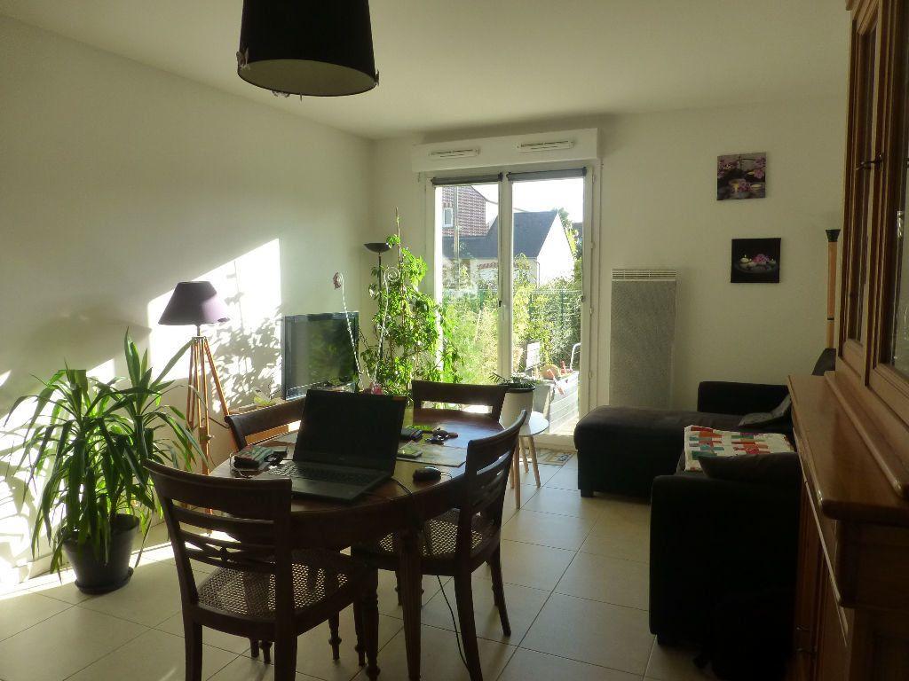 Appartement à louer 3 67.29m2 à Orléans vignette-2
