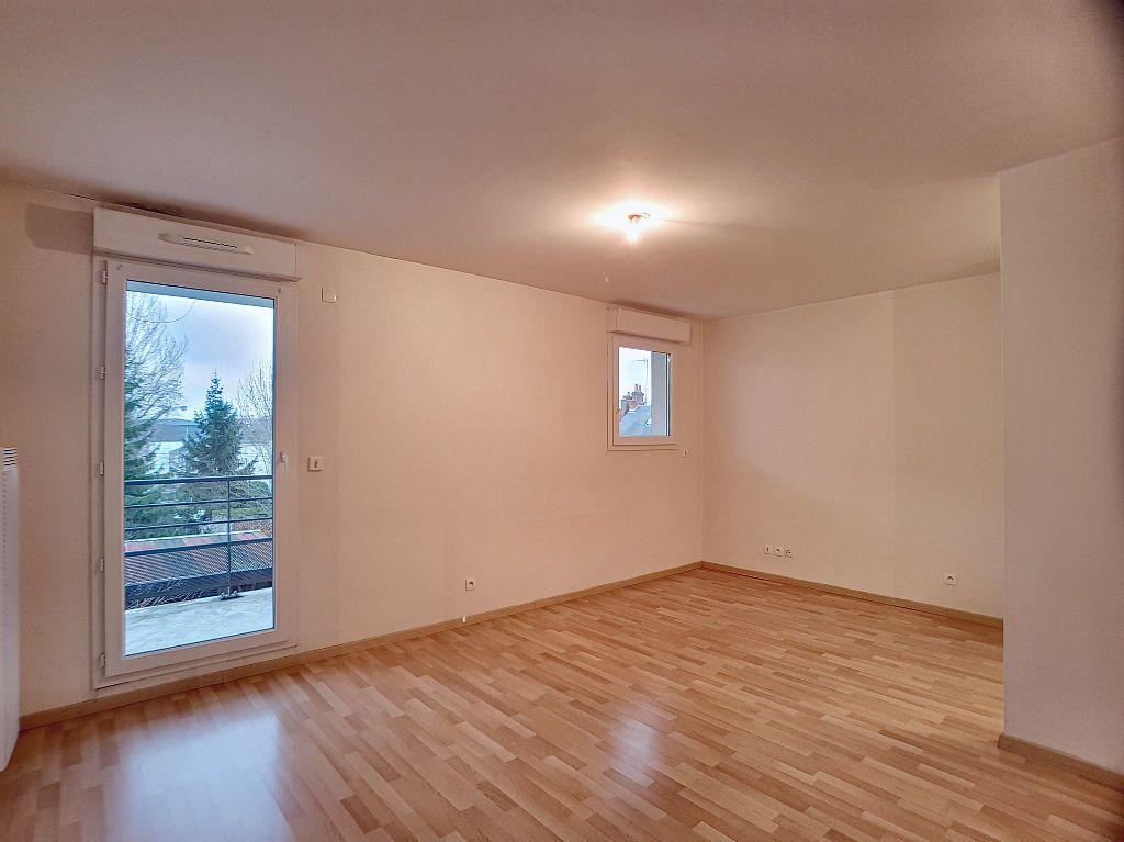 Appartement à louer 2 44.6m2 à Orléans vignette-1