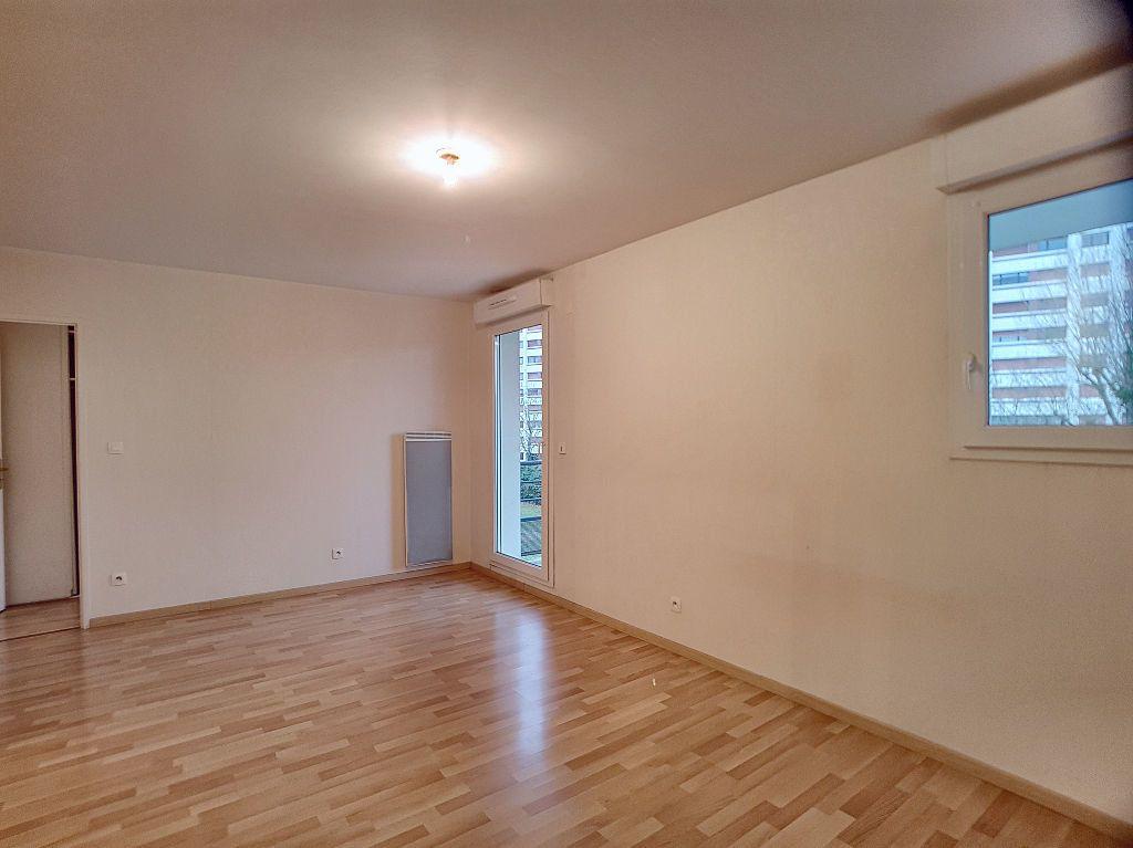 Appartement à louer 2 44.6m2 à Orléans vignette-8