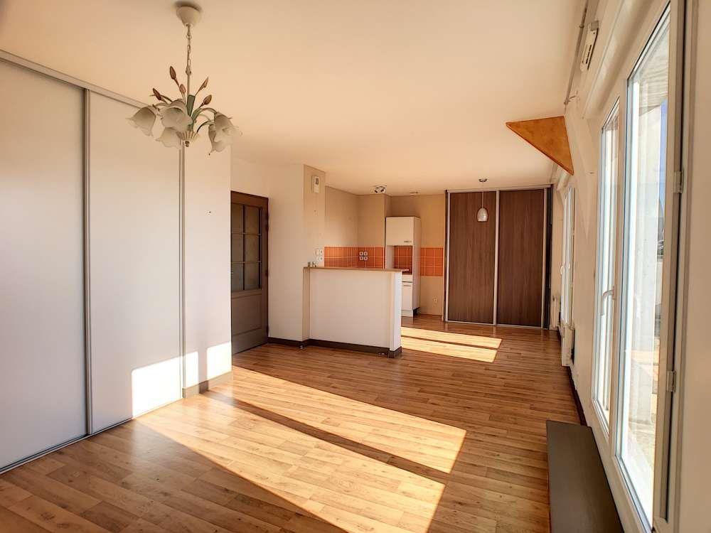 Appartement à louer 2 51.6m2 à Saint-Jean-le-Blanc vignette-1