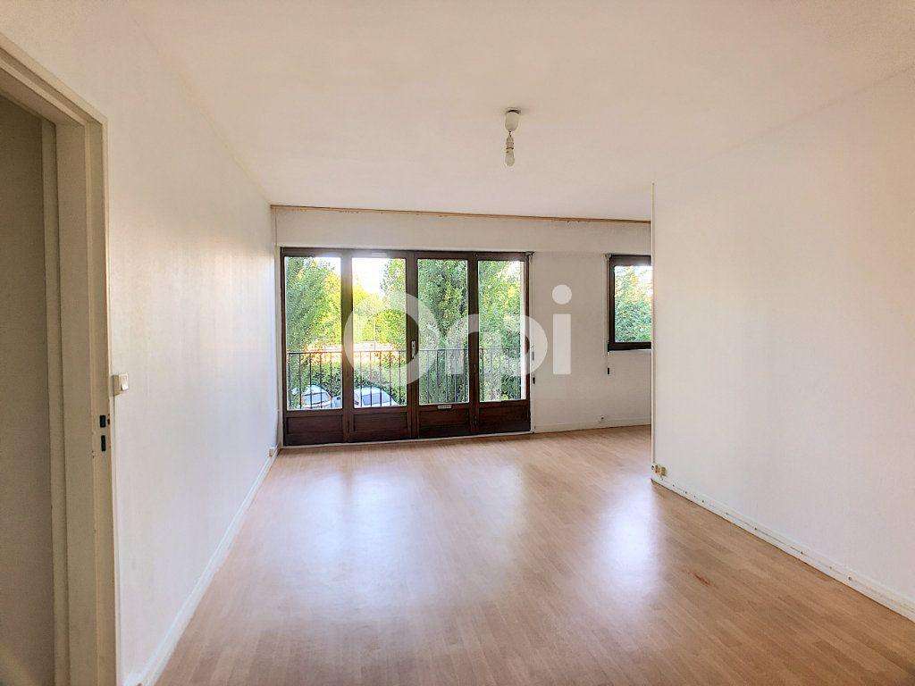 Appartement à louer 2 44.4m2 à Orléans vignette-5