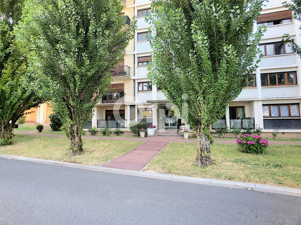 Appartement à louer 2 44.4m2 à Orléans vignette-9