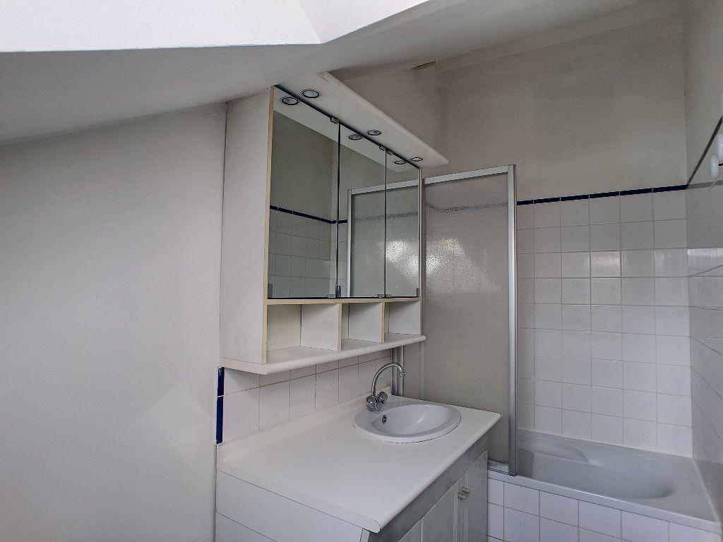 Appartement à louer 3 43.24m2 à Orléans vignette-6