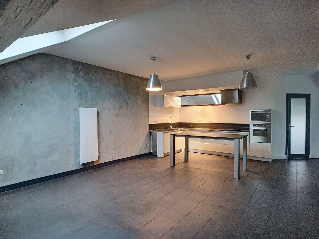 Appartement à louer 3 68.9m2 à Orléans vignette-1