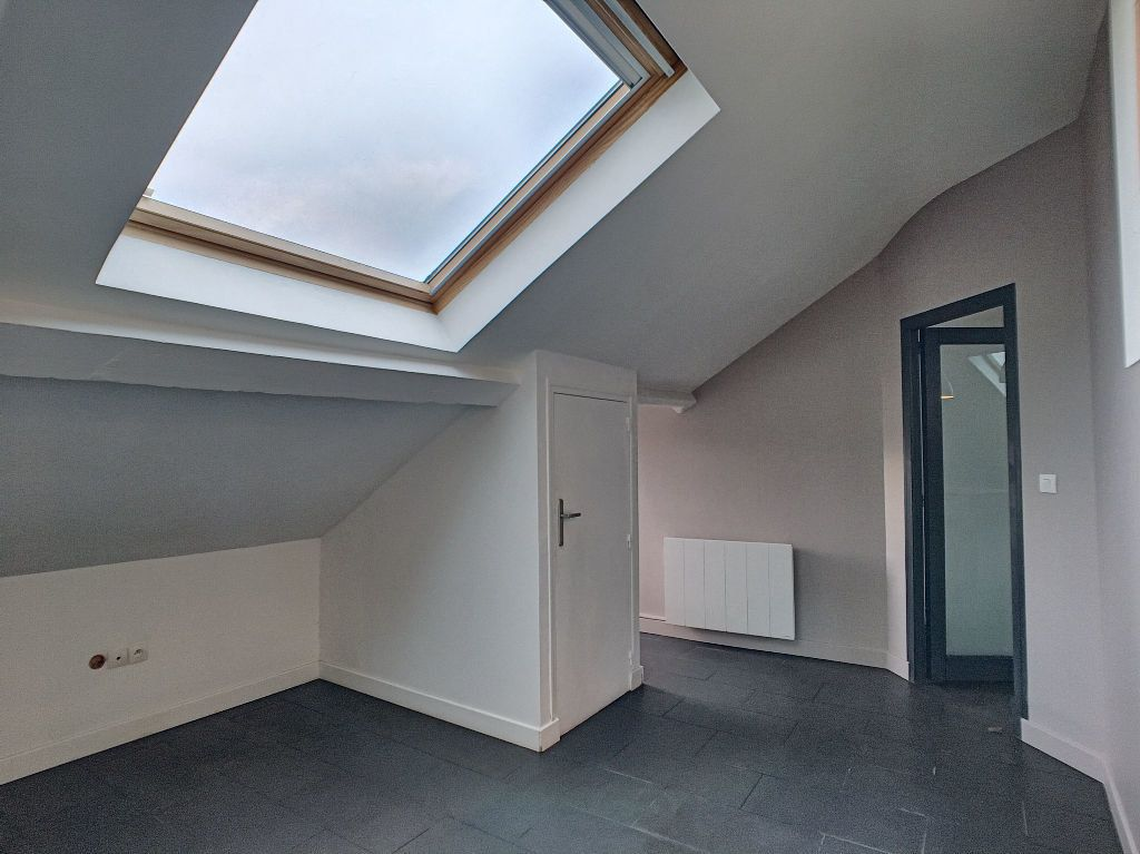Appartement à louer 3 68.9m2 à Orléans vignette-6