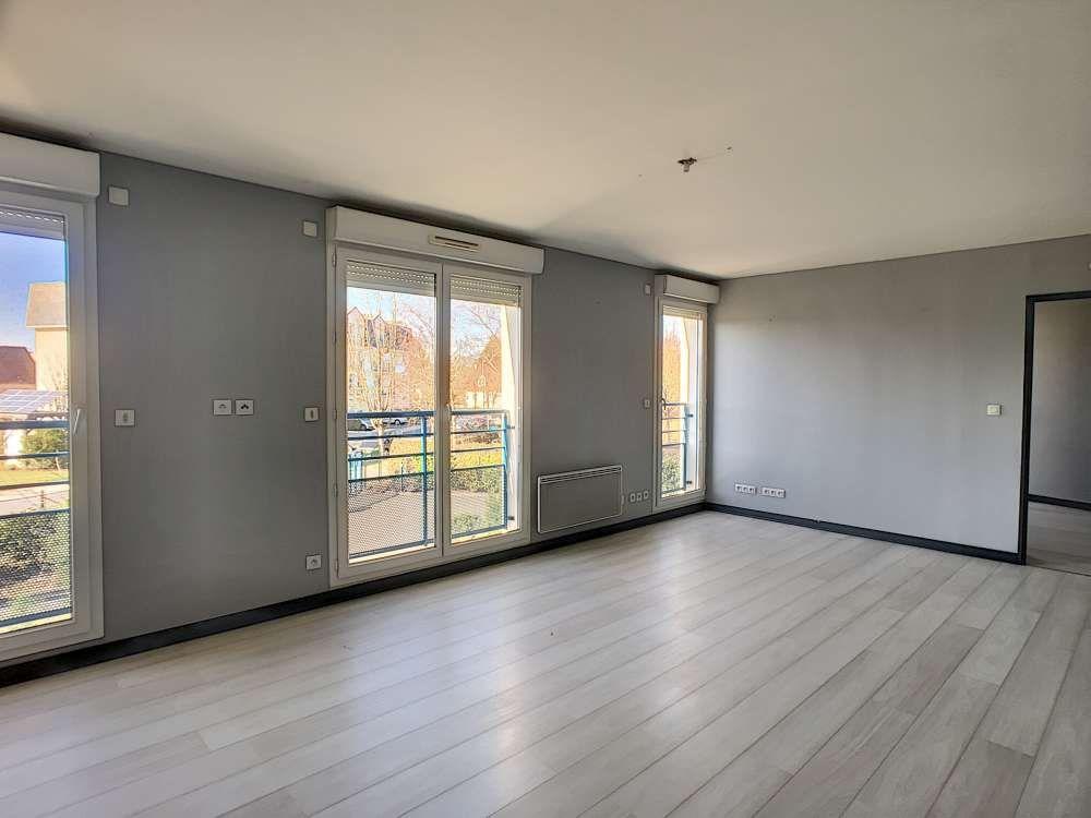 Appartement à louer 2 52.4m2 à Saint-Jean-le-Blanc vignette-1