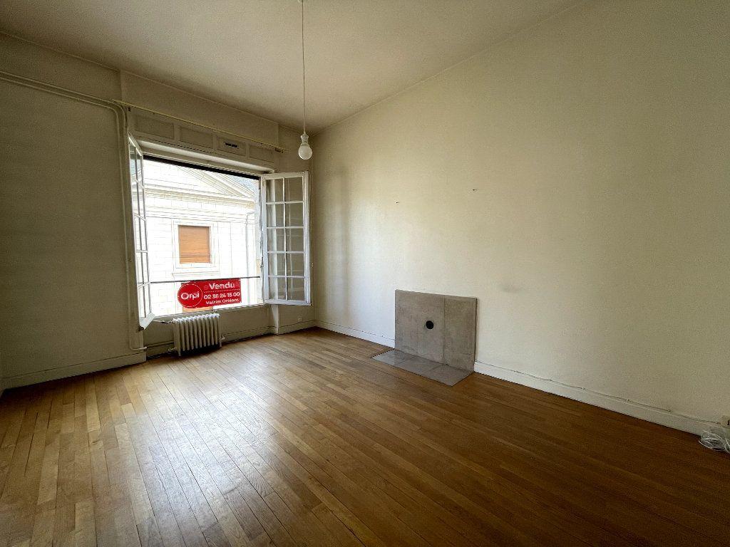 Appartement à vendre 5 134.18m2 à Orléans vignette-5